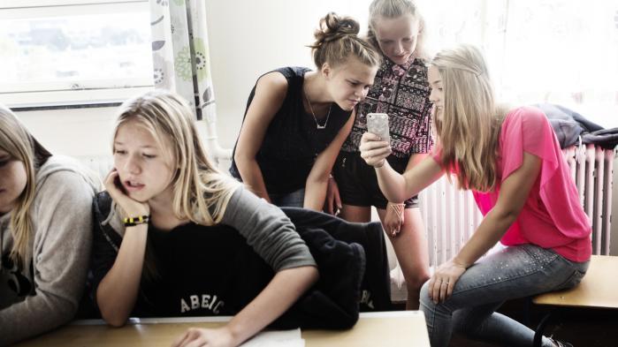 Den nyeste forskning påpeger, at det er på tide at vende 'big data' ryggen for i højere grad at få en forståelse af betydningen af 'small data'. Små data kan nemlig bruges til at få dyberegående perspektiver på, hvad god undervisning overhovedet er. Elever på Ålholm Skole i Valby 2014.