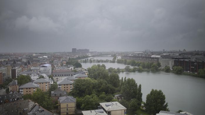 Jan Christiansen var stadsarkitekt i København i 2001-2010. Han husker den tid som en periode, hvor København oplevede en historisk og omfattende byudvikling, der stadig fortsætter. Metroen åbnede i 2002. Den ny Ørestad-bydel fik sin første ejendom i 2001. Og kulturbygningerne piblede frem alle vegne