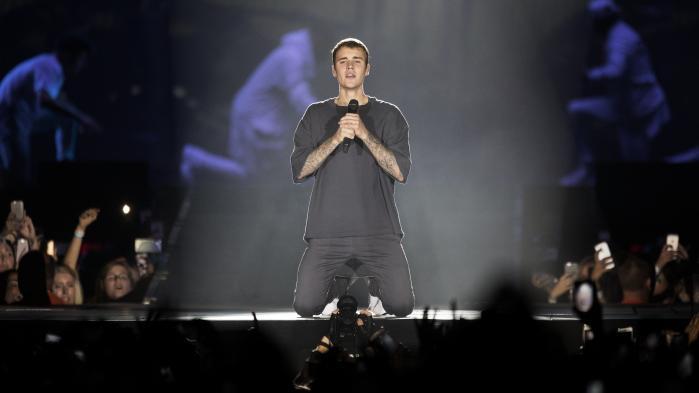 Justin Bieber er ikke et stort og utaknemmeligt barn. Han er træt og presset.Men han er også i færd med at overvinde den umådelige udfordring, det må være at have været den største barnestjerne siden Jesus.