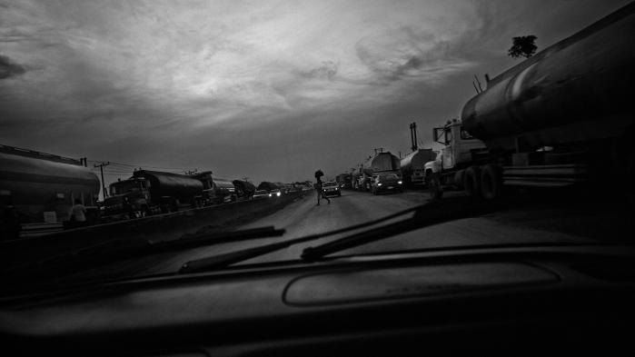 Nigeria er en af Afrikas største økonomier, men oplever den værste økonomiske krise i årtier.