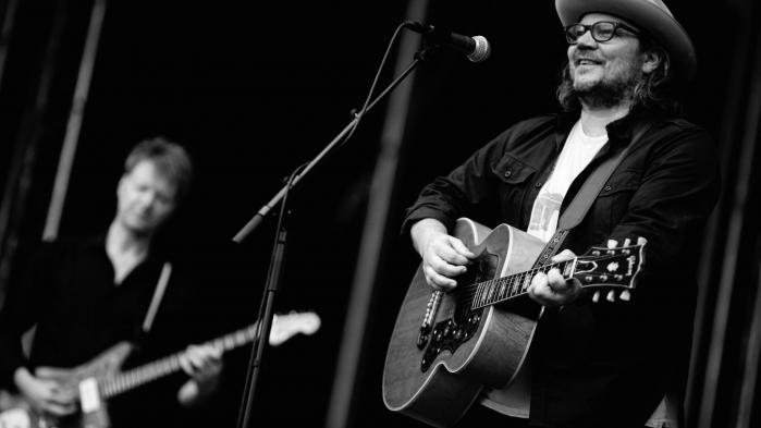 Pladeaktuelle Wilco er et orkester, som på mange måder synes synonymt med en mands vision, nemlig den 49-årige Jeff Tweedy.