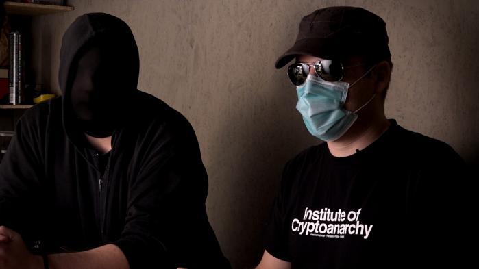 Den nye israelske dokumentarfilm Down the Deep, Dark Web,der handler om anonymitet på internettet,havde fornylig europæisk premiere på dokumentarfilmfestivalen DOK Leipzig, hvor Information mødte filmens ene instruktør Duki Dror, samt hovedpersonen i filmen, den israelsk-amerikanske journalist Yuval Orr.
