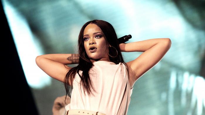 Rihannas albud ligger i top fem over bedst sælgende udgivelser i USA ved årets udgang.