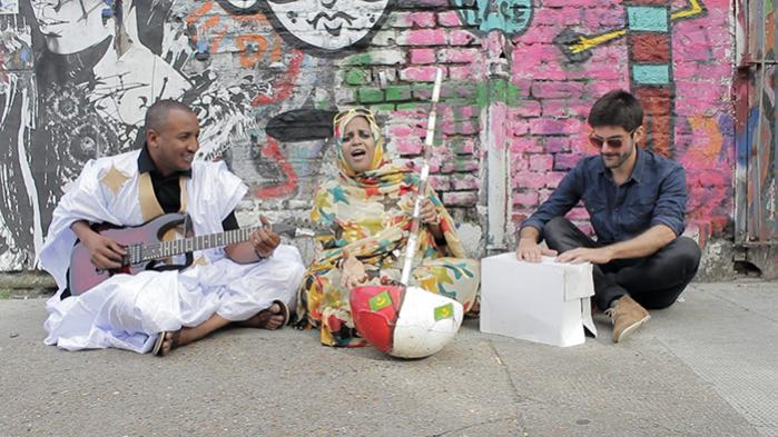 Noura Mint Seymalis 'Arbina' er optaget i hipster-mekkaet Brooklyn, New York, men det skal ikke ligge det til last. Det er en vellykket produktion: levende med et transparent lydbillede, et diskret muskuløst drive. Og en hallucinerende kvalitet i sangene