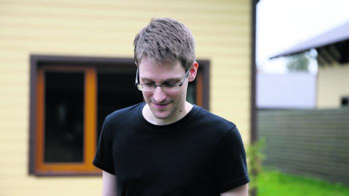 En deklassificeret rapport har skabt ny debat om Edward Snowden.