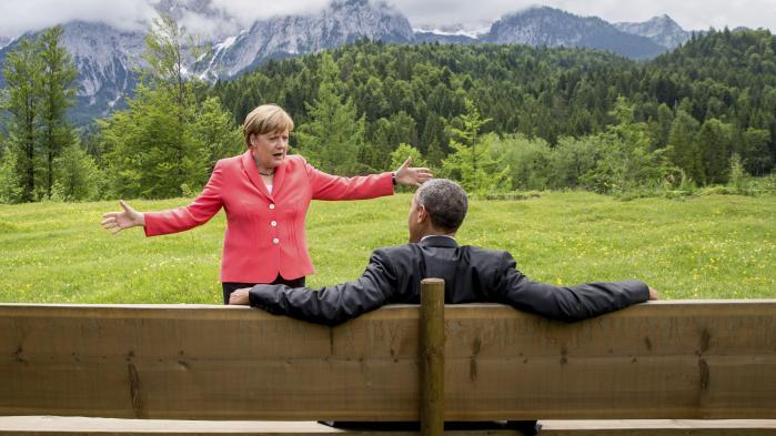 Lyden af sød musik: Barack Obama og Angela Merkel i Garmisch-Partenkirchen. Ind i mellem har det føltes, som om Europa var mere forelsket i den amerikanske præsident, end Obama var engageret i Europa. Foto: Michael Kappeler/AP
