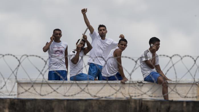 Pladsproblemer og bandekonflikter præger de brasilianske fængsler, der i 2017 har oplevet flere episoder med åben krig mellem rivaliserende grupper af kriminelle