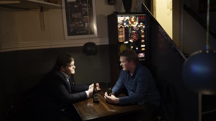 Chris Bjerknæs, Dansk Folkepartis Ungdom (t.v.), og Lasse Quvang Rasmussen, Danmarks Socialdemokratiske Ungdom, mener begge, at det er modparten, der har flyttet sig mest politisk, og at det er grundlaget for et fremtidigt politisk samarbejde.