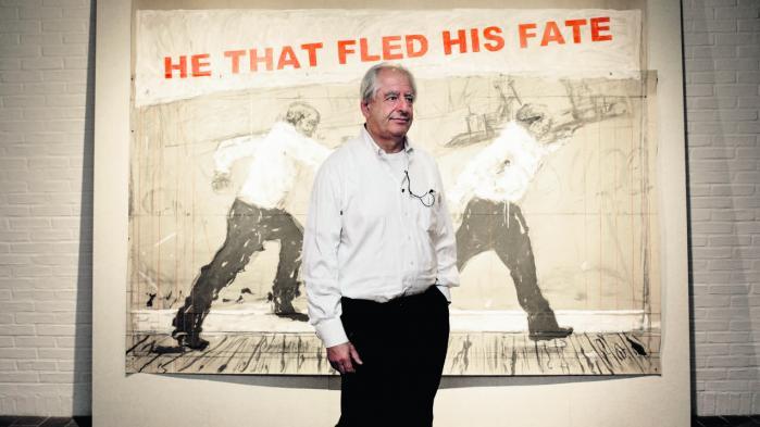 Erindring er en stor del William Kentridges værker, siger han. Her står han foran et af dem på Louisiana.