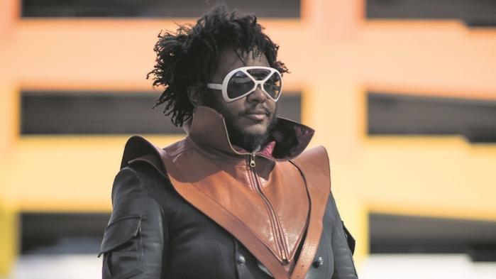 På den amerikanske mesterbassist Thundercats nye soloplade, 'Drunk', udfolder han en afro-futuristisk forestillingskraft af de allermest magiske. En forestillingskraft, som mest af alt virker gennem musikken og Thundercats humor, og som viser vejen ud af et status quo, hvor man som sort individ går og bekymrer sig om at blive skudt af politiet