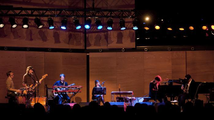 Lambchop i Lille Vega var den bedste start på ugen. Her er det amerikanske band (med den karismastiske forsanger Kurt Wagner i front) fra deres koncert i DR Koncerthusets Studie 2 i 2012.