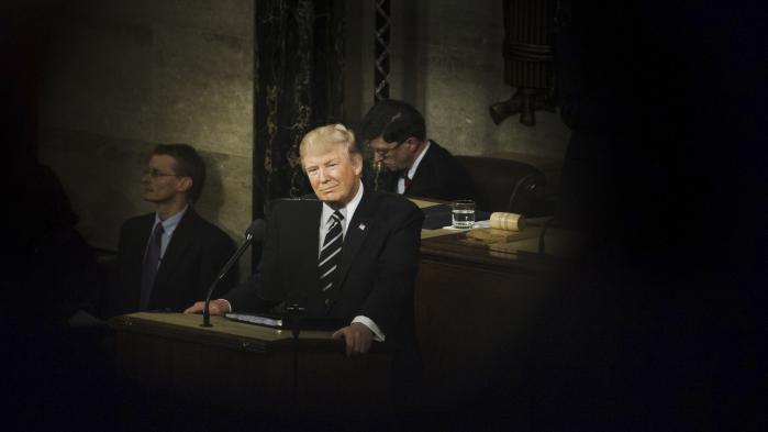 Både før og efter sin tiltræden har den amerikanske præsident Donald Trump erklæret sig som tilhænger af tortur og understreget, at han er overbevist om, at det er en effektiv afhøringsmetode.