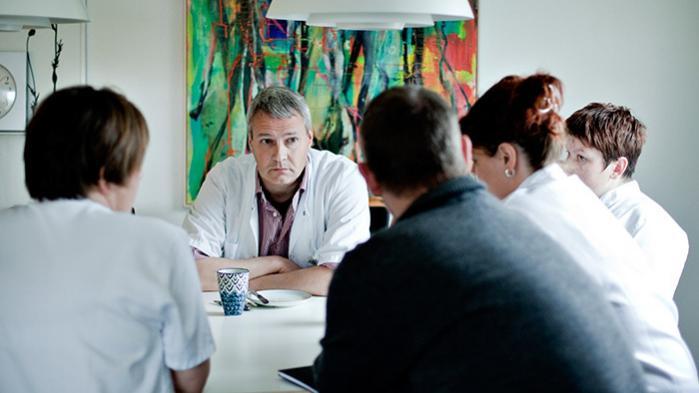 Også i udlandet er det et kendt fænomen, at yngre, veluddannede og velstående har nemmere adgang til palliation. Her medarbejdere fra palliativ afdeling på Farsø Sygehus