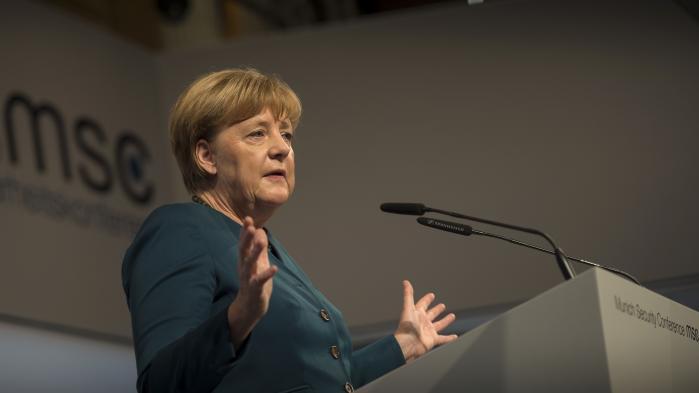 Ved sidste måneds sikkerhedskonference i München blev Angela Merkels kritik af Rusland for at invadere Krim og støtte Syriens præsident al-Assad imødegået af den russiske udenrigsminister, der klandrede Vesten for at have tilsidesat folkeretten ved at invadere Irak og anerkende Kosovos uafhængighed.