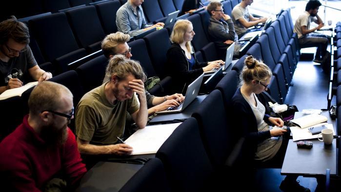 'Vi er imod politisk udpegede bestyrelsesmedlemmer, og når de studerende og ansatte bliver sat uden for indflydelse, så er der en reel risiko for, at vi får en kreds af bestyrelsesmedlemmer, som ikke ved noget om universitetsmiljøet,' siger Socialdemokratiets forskningsordfører, Mette Reissmann, om nyt lovforslag.