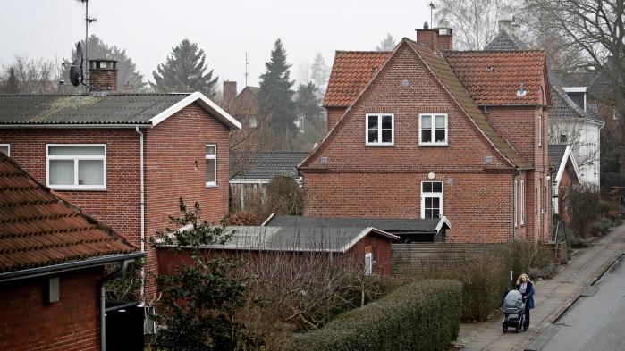 De ekstra politisk aftalte penge til SKAT bliver blandt andet brugt til at rette op på de fejlramte ejendomsvurderinger i stedet for på kontrol af skattesnydere