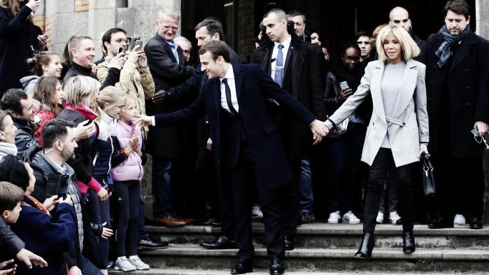 Emmanuel Macron og hans 24 år ældre hustru Brigitte Auziere, der tidligere var hans gymnasielærer.