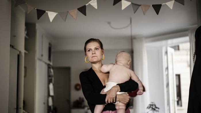 Det har været svært at acceptere, at det var mere end hårdt at blive mor, skriver Leila Stockmarr.