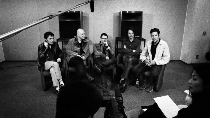Hvis Radiohead havde valgt nogle af de andre sange, de indspillede i samme periode, var 'OK Computer' ikke blevet en milepæl. Det ligger fast. Hør bare 20 års-jubilæumsudgaven. Som også fortæller, at et album er en fiktion, som et band skriver om sig selv