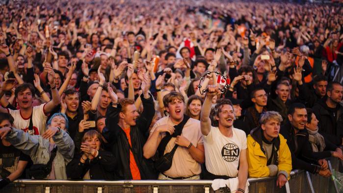 Åndeligt er Roskilde Festivalen en gedigen bjørnekrammer. Festen er i de bedste øjeblikke en hjemkomst. Men det er også en galvanisering af på forhånd vedtagne holdninger. Informations musikredaktør har indsigelser og kærlighed til overs efter fire udmattende dage