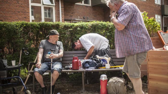 Byrum til seniorer kan være med til at bekæmpe den ensomhed, som mange ældre kæmper med. Her mødes mandeklubben i Tranehavegård i Sydhavnen.