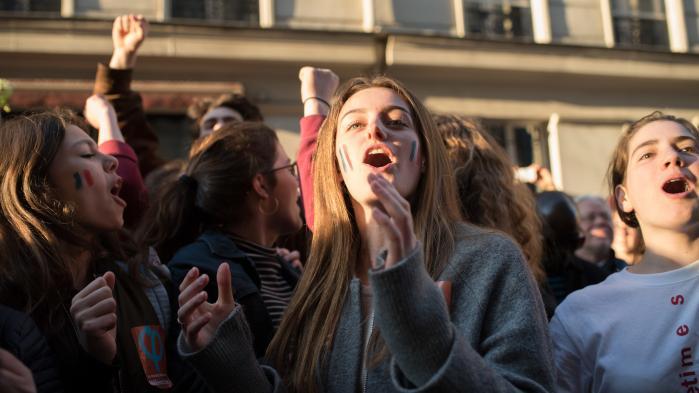 Unge støtter af den tidligere trotskist Jean-Luc Mélenchon fra Frankrigs venstrefløj. Ingen havde troet, at han ville lave en slutspurt i det franske valg så overbevisende, at flere talte åbent om muligheden for, at han kunne blive præsident.