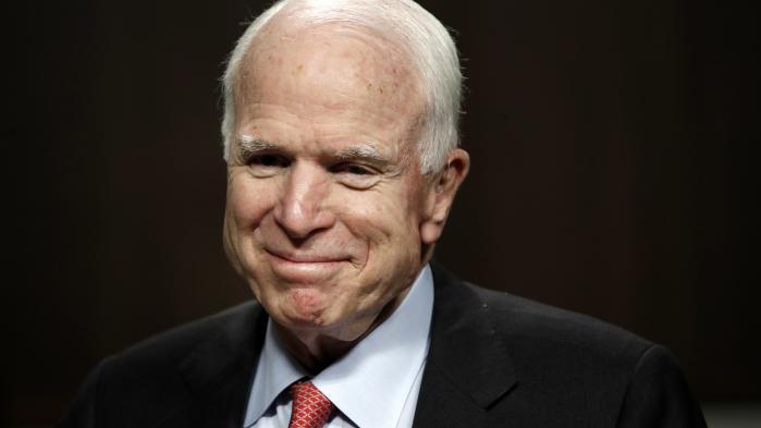 Den 80-årige republikanske senator John McCain har både som krigsfange og som USA-senator vist et stort personligt mod.