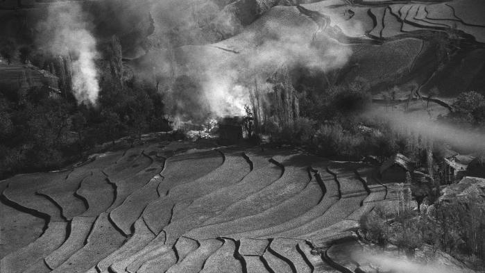 En landsby brænder under delingen af Indien og Pakistan i 1947.