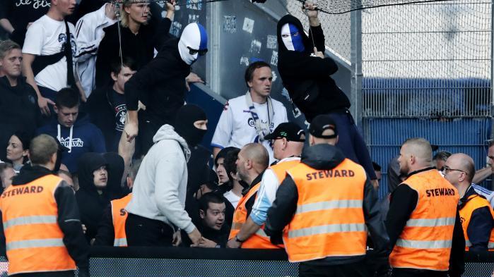 Der var voldsomme uroligheder på Brøndby Stadion sidste søndag. Flere bar masker som her på billedet. Også på instagram benytter flere profiler med tilknytning til hooliganmiljøet sig af den type maskering.