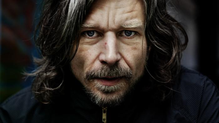 Hans eneste radikalitet er hans oprigtighed, men oprigtighed i kunst betyder ikke noget, siger Péter Nádas om Karl Ove Knausgård.