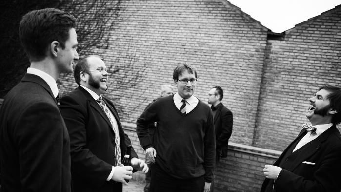 En gruppe yngre konservative intellektuelle har iklædt sig deres bedste sæt tøj for at debattere konservatismens plads i dagens Danmark. Se vores fotoreportage fra det konservative tidsskrift Critiques årsmøde.