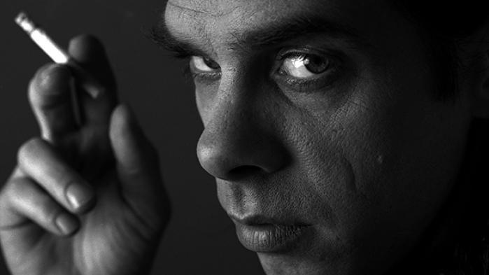 Efter nogle drabelige år som frontfigur i den vildt originale gruppe The Birthday Party iværksatte Nick Cave sin egen myte