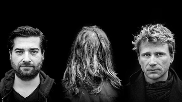 I går præsenterede vi serien 'Grænseland – samtaler med mænd om sex' på Roskilde Festival. Den handler om dilemmaet ved at være en erobrer, der skal række ud efter et kys, uden at blive en krænker, der skrider ind over en grænse. Hvordan føles det at bære dét ansvar – og hvordan føles det at svigte det? Læs eller genlæs mændenes historier her.