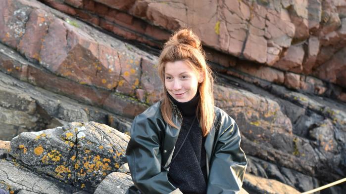 I dag er det et år siden, den svenske journalist Kim Wall sejlede ud på den reportagetur, der skulle blive hendes sidste. Her fortæller Eva Prag om sin ven, Kim, og tabet