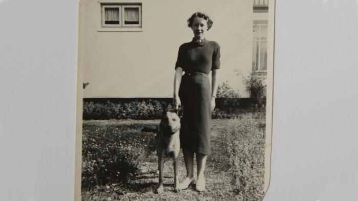Ved en tilfældighed fandt min mor i 2004 ud af, at hun var adopteret. Dette er tredje kapitel i historien, hvor vi møder enkemanden Ole