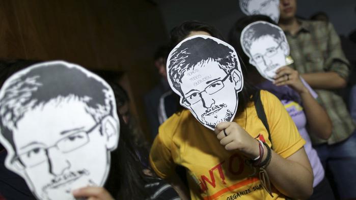 Edward Snowden opnåede sidste år midlertidig asyl i Rusland, men den 31. juli er det slut. Derfor spillede spørgsmålet om asyl en markant rolle i det vidnesbyrd han i fredags gav EU-Parlamentet.