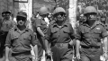 Den 7. juni 1967 er Jerusalems kommandant, Uzi Narkiss, forsvarsminister, Moshe Dayan og generalstabschef, Yitzhak Rabin, på vej til Grædemuren og realiseringen af den zionistiske drøm.