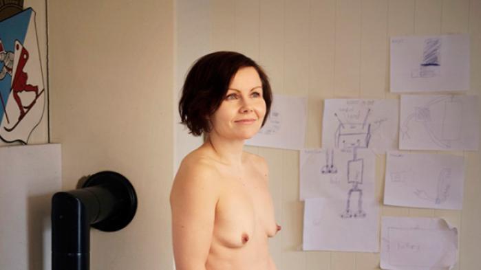 Kan usminkede ansigter og nøgne, ikke-manipulerede kroppe være vejen til et mere mangfoldigt kvindeideal? En ny tendens vinder frem internationalt og herhjemme