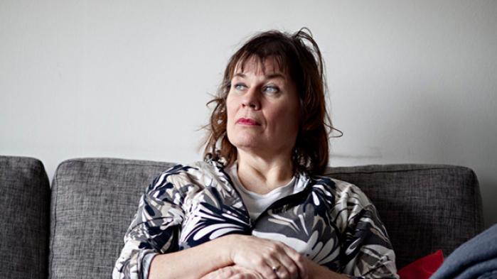 Jannie Helle, der i 90'erne var kendt som tv-lægen på TV 2, døde  i søndags efter en lang og sej kamp med både sin sygdom og det danske sundhedssystem. De danske læger troede ikke på, at hun havde borrelia - og hun tabte kampen. Det gør de svage patienter altid i mødet med de læger, som let kan opfattes som arrogante og bedrevidende