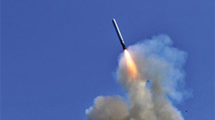 Amerikanske militærrådgivere er igen begyndt at tale om en militær intervention for at bekæmpe IS' fremmarch i Libyen. For Vesten handler det dog lige så meget om europæisk flygtningepolitik, vurderer eksperter