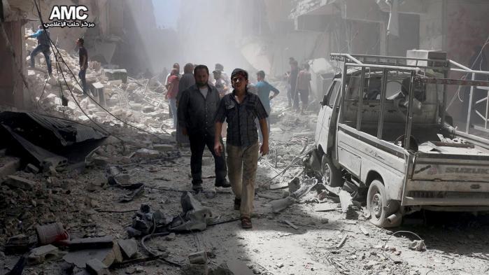 De voldsomme kampe i Syrien er gået hårdt ud over Aleppo. I går advarede USA det syriske regime om, at USA er klar til at nedskyde fly, som nærmer sig styrker fra den USA-ledede militærkoalition i det nordlige Syrien. Arkiv