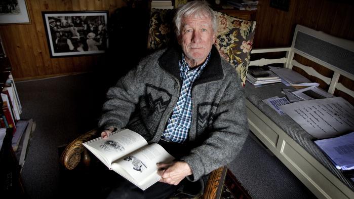 Forfatteren Vagn Lundbye døde 82 år gammel på et plejehjem lørdag ved 18-tiden, oplyste en kilde tæt på familien. Her på et foto taget i 2011 i hans hjem på Langeland