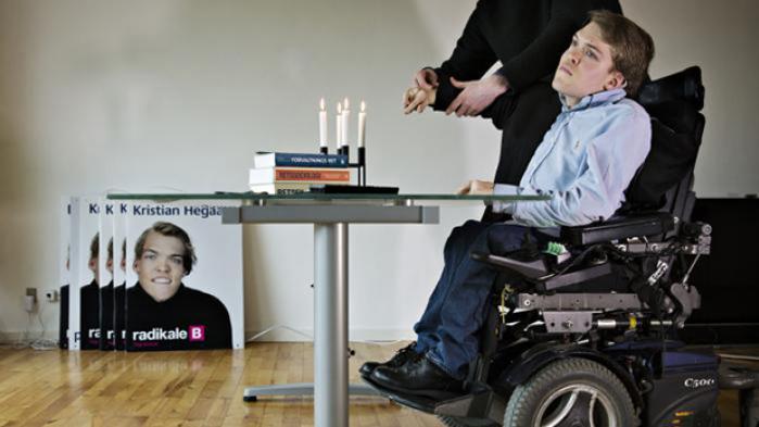 En juridisk disput er under opsejling mellem en tidligere ekstern lektor på Københavns Universitet, der har sagsøgt en jurastuderende for en klage over undervisningen. Intrigen ser nu ud til at ende i byretten