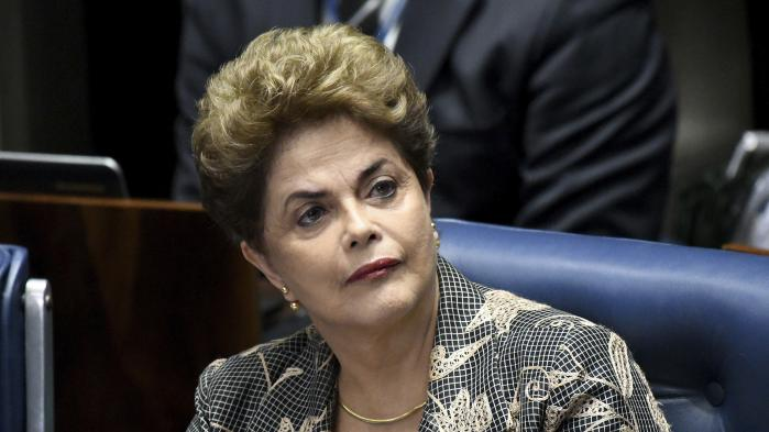Dilma Rousseff har som landets øverste leder betalt prisen for den samlede politiske elites misforvaltning