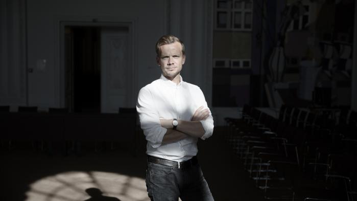 'Den store test er lige nu 2025-planen. Lader Dansk Folkeparti sig besnakke af vigtigheden af sammenhold i den blå blok, eller mener de, vi skal investere i velfærd og uddannelse frem for at give topskattelettelser?' spørger Peter Hummelgaard