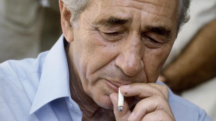 Oslo-aftalerne knæsatte Peres' image som fredsdue, yderligere cementeret med den Nobel-fredspris, han modtog sammen med Rabin og Yassir Arafat i 1994. Realiteten var dog, at Oslo-aftalerne i første omgang blev forhandlet delvis bag ryggen af Peres. Foto: GPO/Polfoto