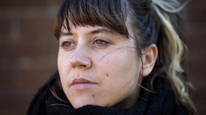 Daria Bogdanskas drøm er gået i opfyldelse med udgivelsen af Wage Slave på Galago, Sveriges største forlag for tegneserier. Den handler om hendes første år i Sverige og om hendes kamp for retfærdighed og ordentlige arbejdsvilkår på en restaurant i Malmø