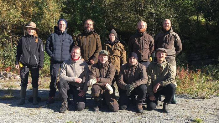 I programmet 'Alene i vildmarken' på DR3 sendes 10 danskere ud i den norske vildmark for at teste, hvor længe de kan overleve på egen hånd.