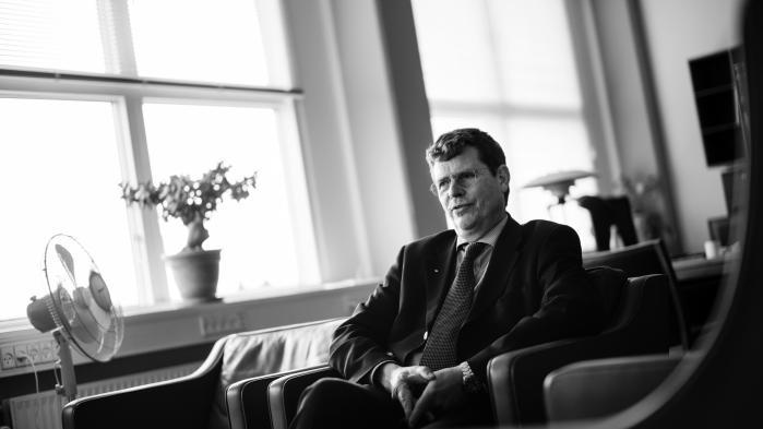 'Når man er ansat som embedsmand i et ministerium, så står man last og brast med ministeren, og hvis man ikke er indstillet på at ofre sig, så skal man blive væk.' Det mantra synes at have været definerende for Johan Martini Reimanns karriere.