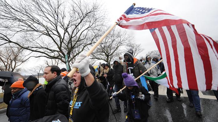 I weekenden blev 'We Shall Not Be Moved'-marchen afholdt i Washington. Marchen var både en hyldest til borgerrettighedsforkæmperen Martin Luther King og en optakt til den kommende politiske kamp mod præsident Trump